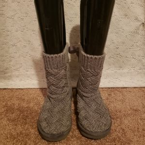 Girl's size 2 gray Ugg boots